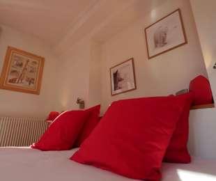 Standard double bedrooms